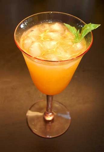 White Peach Sangria | Drinks | Pinterest
