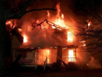 www Essay On a House On Fire