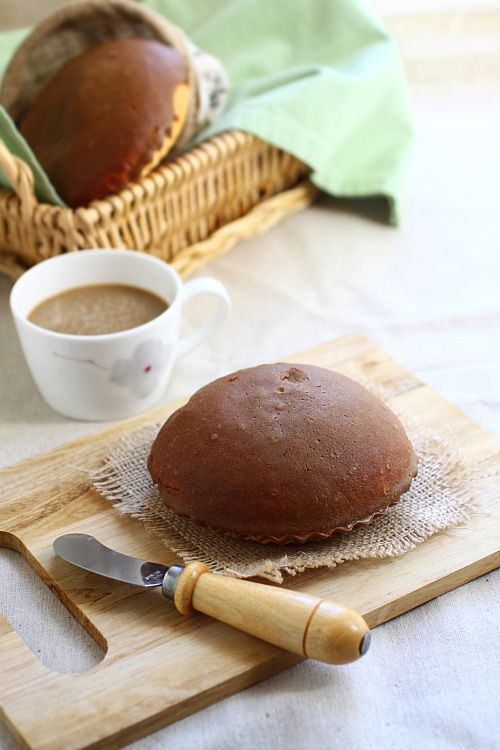 Mexican Coffee Bun (Rotiboy) - crusty coffee topping and butter ...