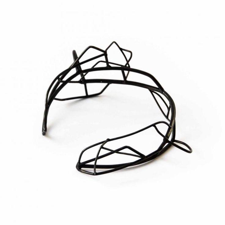 "Zeta Tsermou ""Inner core IV"" bracelet - oxidised silver  | Gallery Marneri"
