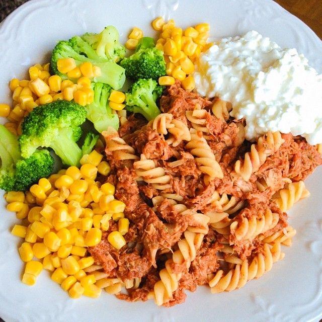 ... oregano, salt, pepper, chili powder) broccoli whole wheat pasta, corn