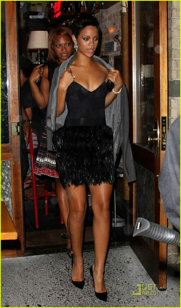 Rihanna Fashion Rocks And Then Eats Robyn Fenty Pinterest