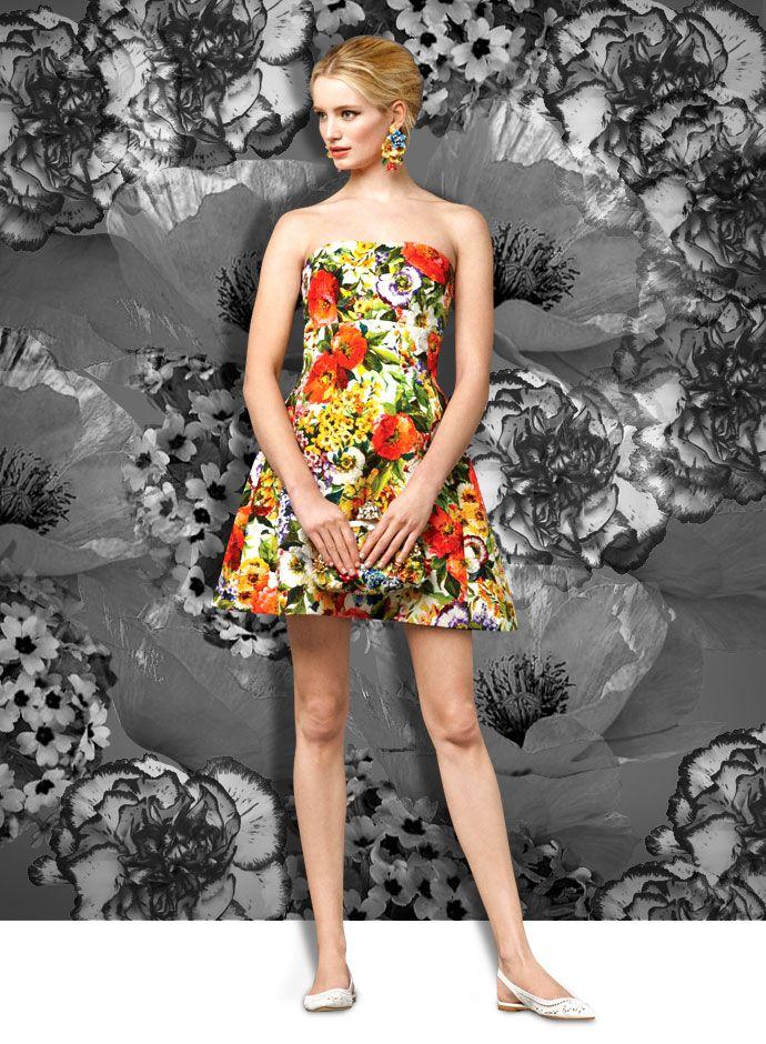 Летний карнавал выглядит: цветочный принт платья из коллекции Dolce & Gabbana осень-зима 2014-2015