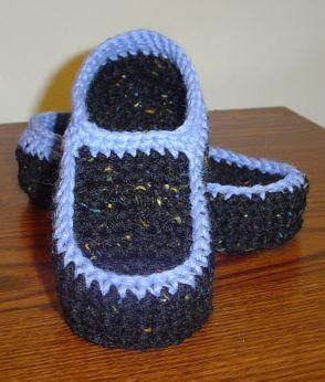 Free Crochet Pattern Loafer Slippers : Free Childs Loafer Slipper pattern Crochet Pinterest