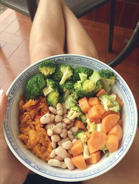 Steamed broccoli and carrots with mashed pumpkin and cannellini beans ...