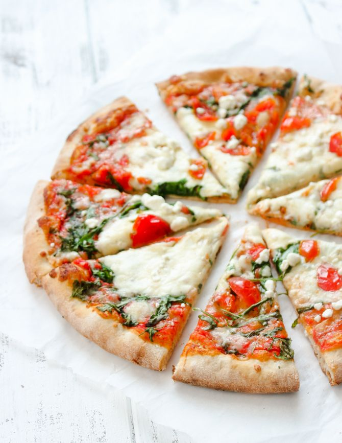 Mediterranean Arugula & Cherry Tomato pizza | Brunch Time Baker