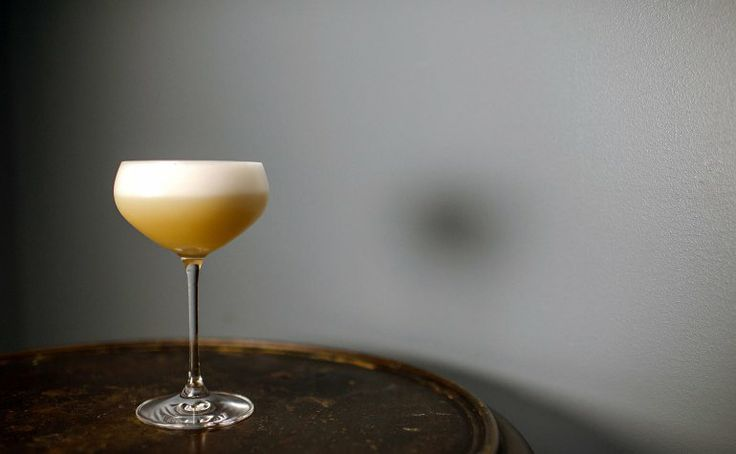 WhiskeySour love a cocktail with egg white