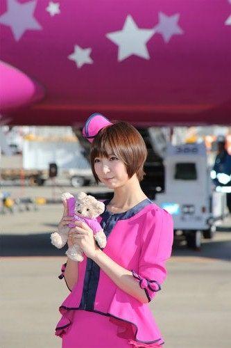 元AKB48の篠田麻里子さんが27日、関西空港(大阪府泉佐野市)を拠点とする格安航空会社(LCC)...