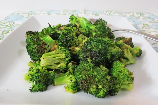 Roasted Garlic and Lemon Broccoli | Food | Pinterest