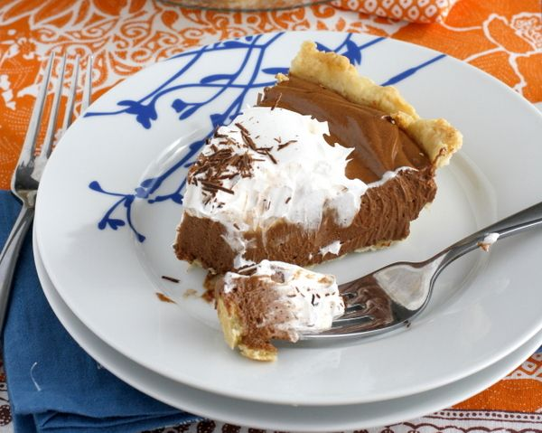 THE BEST Chocolate French Silk Pie. As if I needed more reasons to ...