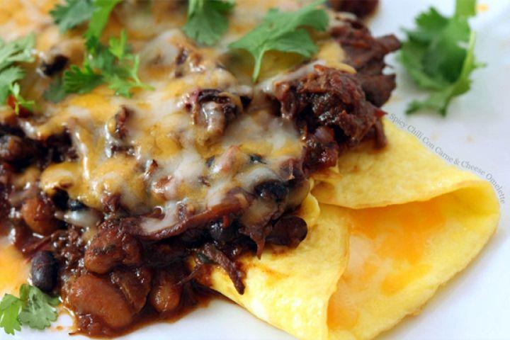SPICY CHILI CON CARNE & CHEESE OMELETTE   Chili Omelet Recipe #eggs # ...