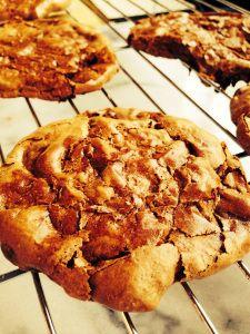 Starbucks inspired Flourless Chocolate Meringue Cookies-- Chewy- gooey ...