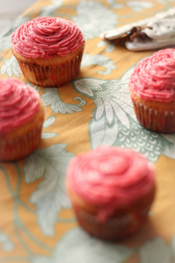 Recipe ~ Sweet Lime Cupcakes with Raspberry Frosting : http://www ...