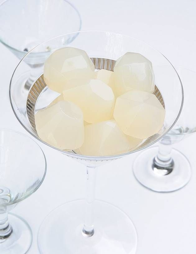 Pear Cosmopolitan Jelly Shots -link to other shots pear, pineapple ...