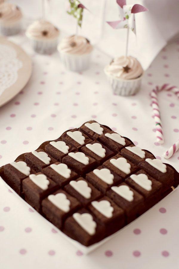 Cake chocolate & clouds