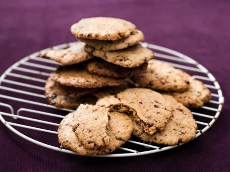 Oatmeal Crisps (flourless) 1 cup rolled oats 1/2 cup sugar 1 large egg ...