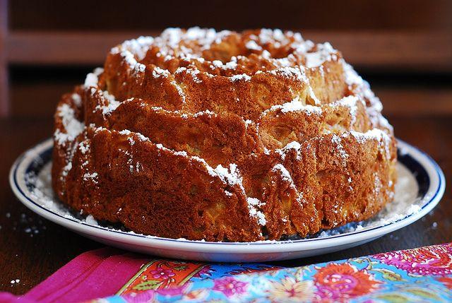apple cinnamon upside down cake cinnamon sugar apple skillet cake ...
