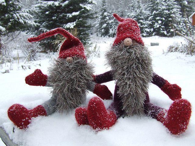 Gnome Knitting Pattern : Yuletide Gnomes (Jultomtar & Teeny Tomte) pattern by Alan Dart