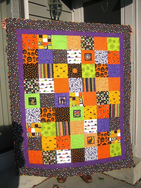 Halloween Quilt - so simple and colorful Fall Ideas Pinterest