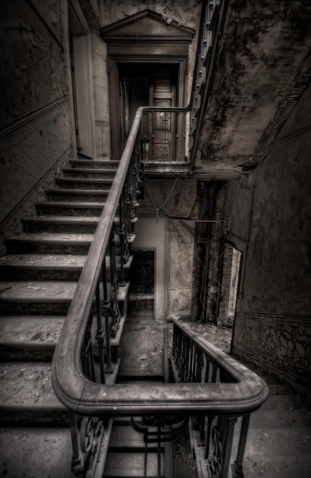 Haunting Stairs | Forgotten, Abandoned & Decayed Beauty ...