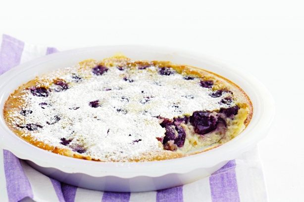 Cherry and almond clafouti | Yum yum | Pinterest
