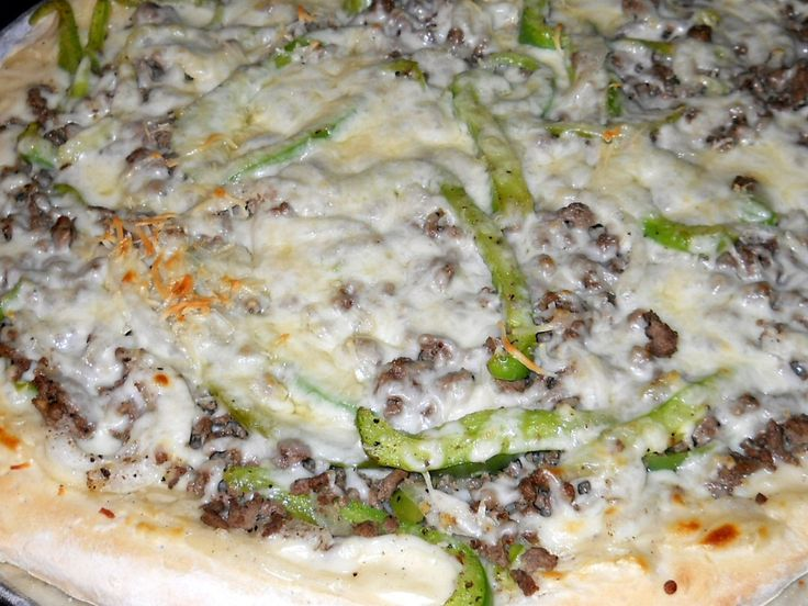 Ground Beef Pizza With Onions And Peppers With A Creamy White Garlic ...