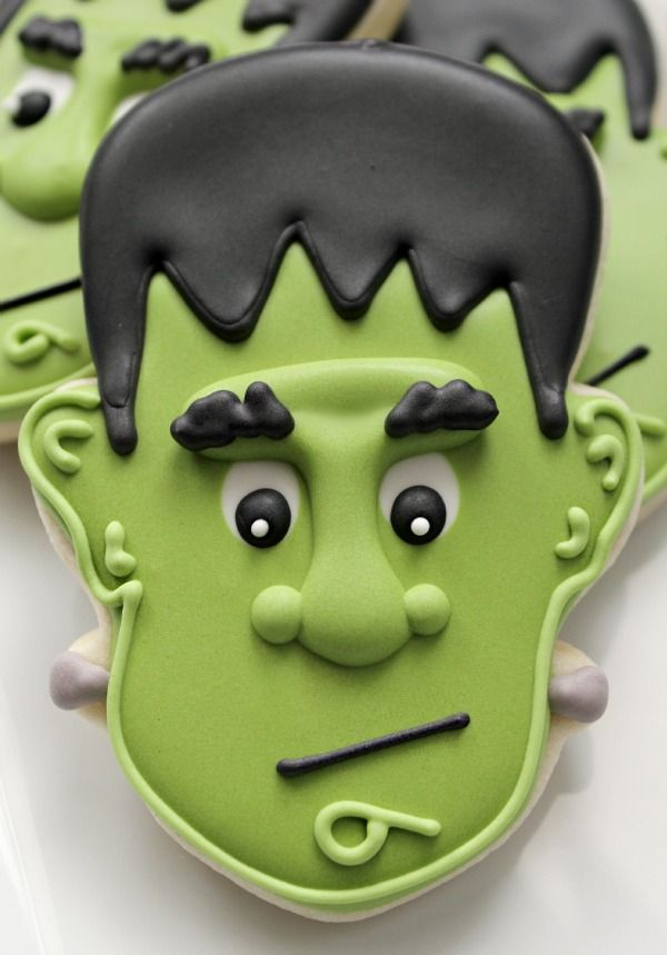 #Frankenstein #Cookie Looking totally awesome! We love and had to share! Great CakeDecorating! Great #Halloween ideas!