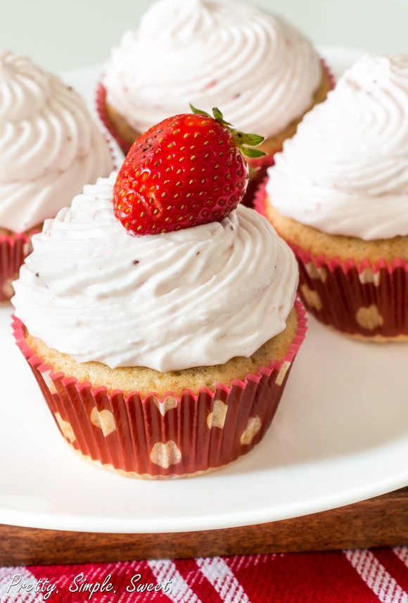 Strawberries and Cream Cupcakes   Sugary...   Pinterest