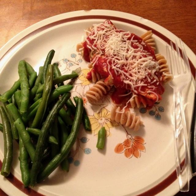 Healthy Chicken Parmesan & green beans