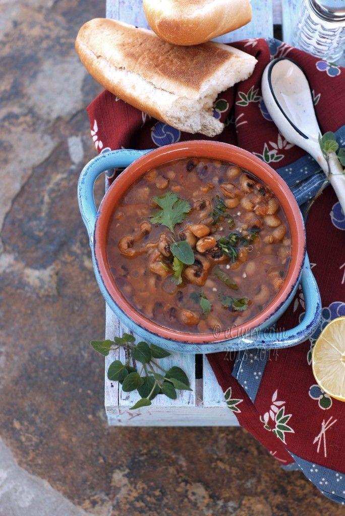 Black-Eyed Peas with Roasted Tomato Sauce | YUMMO! | Pinterest