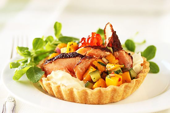 Blackened Salmon Tarts With Mango Salsa | yummy yummy | Pinterest