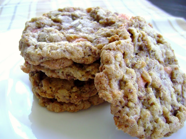 Crispy Butterfinger Cookies | Recipes: Desserts - Cookies | Pinterest