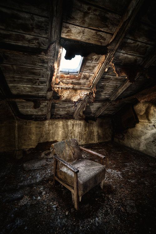 Creepy abandoned room | Abandoned and Creepy | Pinterest