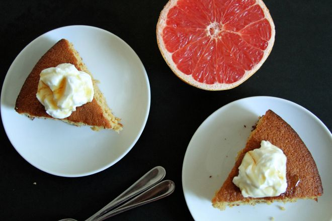 GRAPEFRUIT AND HONEY CAKE WITH YOGURT | Lemon & Other Citrus Desserts ...