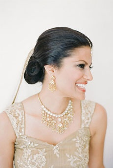 Brides: Wedding Hairstyles that Work Well with Veils