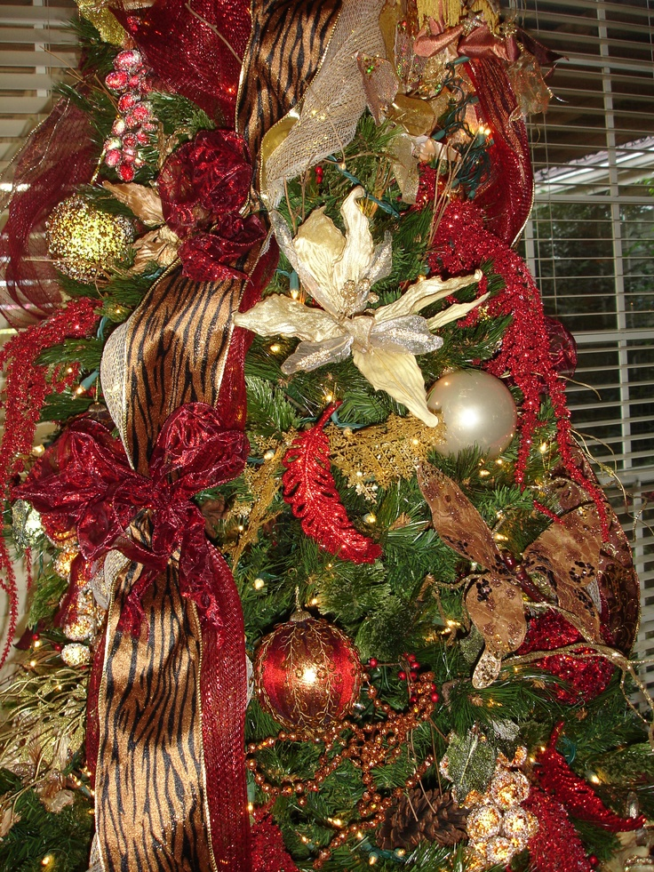 Tiger Ribbon Tree Picture Perfect Christmas Decorating