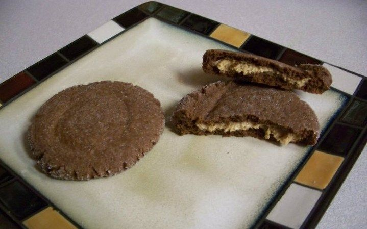 Magic in the Middle Cookies! Chocolate Cookie with peanut butter magic ...