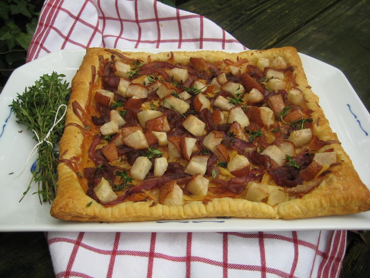 Tart with Balsamic Caramelized Onions, Smoked Gruyere & Fresh Thyme ...