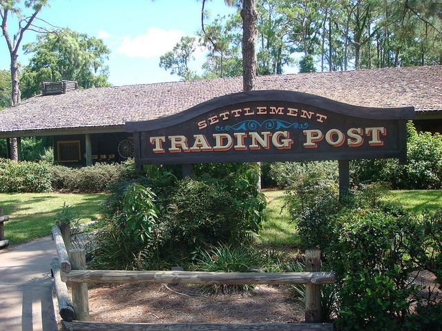 Run out of laundry detergent? Need some more milk? Looking for Fort Wilderness souvenirs? You'll find that and more at the two trading posts inside Fort Wilderness: Meadow and Settlement Trading Posts. You can also mail your postcards at the Settlement Trading Post (though mail service is a tad slow). Propane tanks are also available at either trading post.