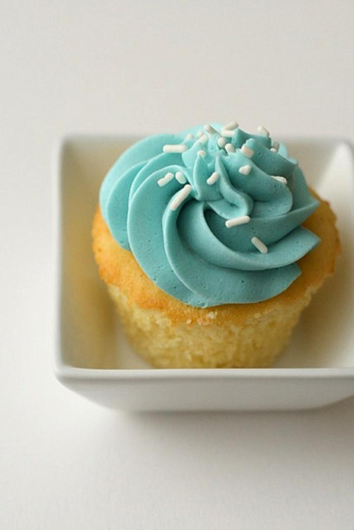Vanilla Bean Cupcakes from http://annies-eats.com/2010/01/05/vanilla ...