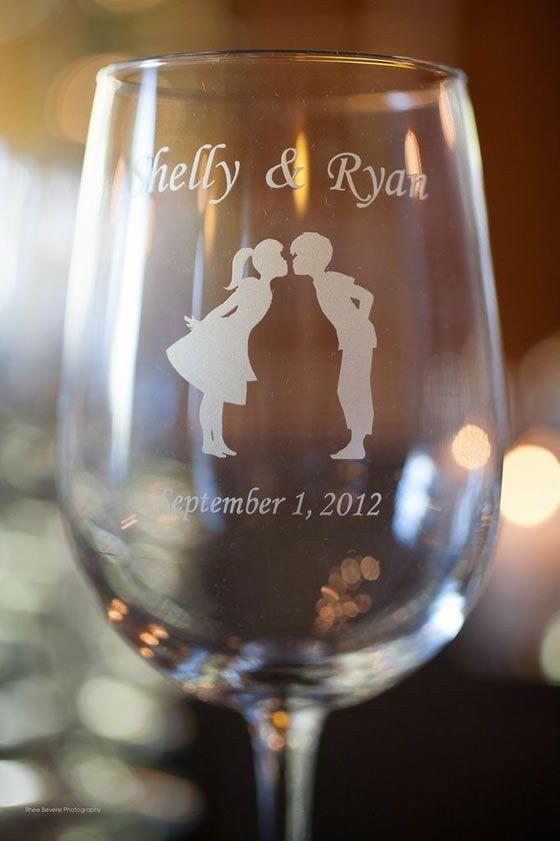 Personalised Wine Glasses Wedding Favors : Custom wine glass wedding favors. Weddings Pinterest