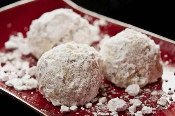 BLACK WALNUT SNOWBALL COOKIES | Desserts | Pinterest