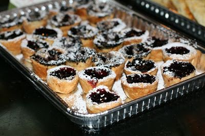 Itty Bitty Concord Grape Pies | Game Day | Pinterest