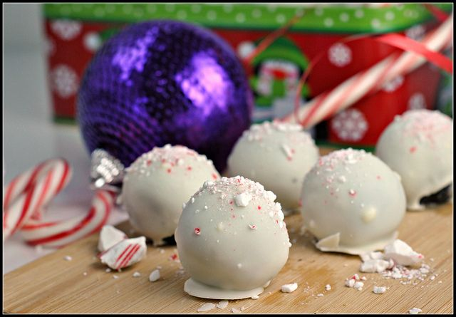 Peppermint Oreo Truffles | Recipes to try | Pinterest