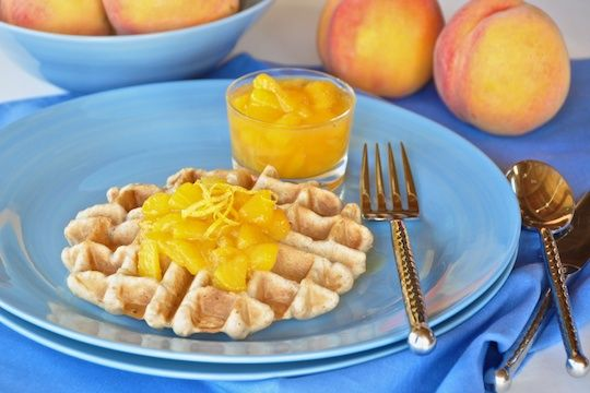 Vegan oat waffles with fresh peach sauce | Low Carb - Breakfasts | Pi ...