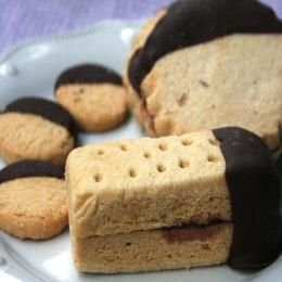 Chocolate Dipper Shortbread Sandwich Cookies #Cooking #Recipes
