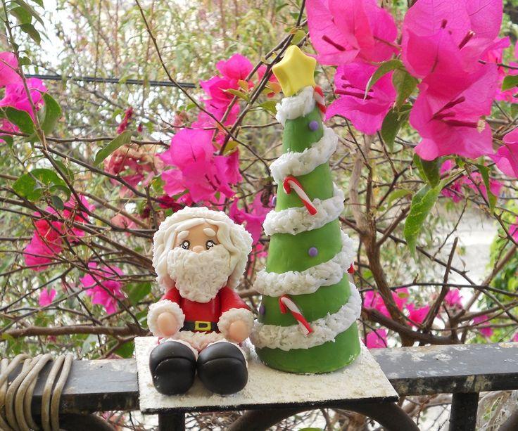 Santa Claus Sitting | momo creaciones porcelana fria | Pinterest