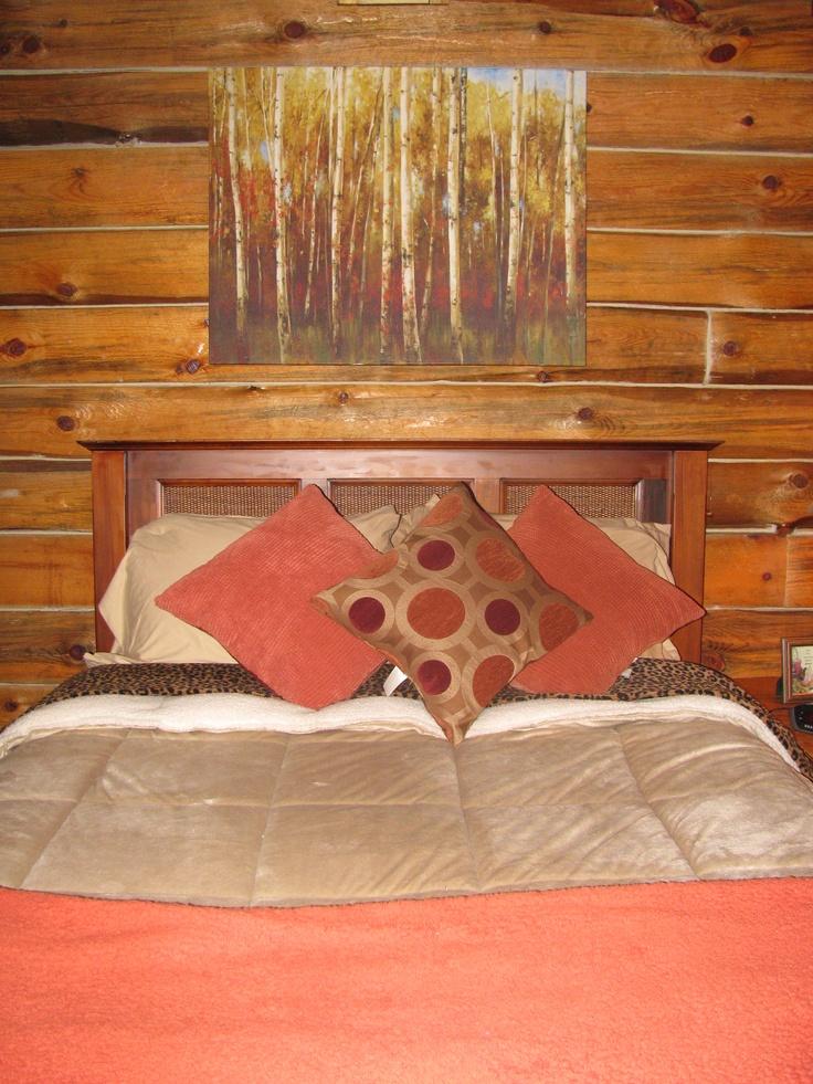 Bedroom in log cabin colors cabin inspirations pinterest for 4 bedroom log cabin
