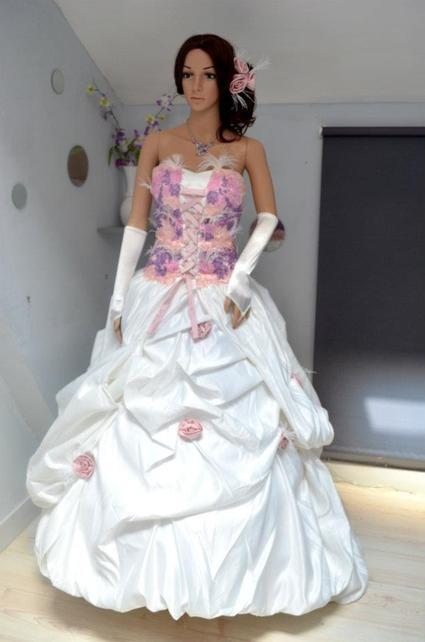Robe de mariée rose parme et ivoire  Robes de mariée et articles de ...