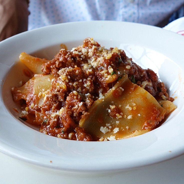 con ragu di salsiccia - large tube pasta with spicy sausage ragu ...